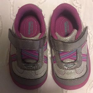 Surprize by stride rite size 4 sneaker